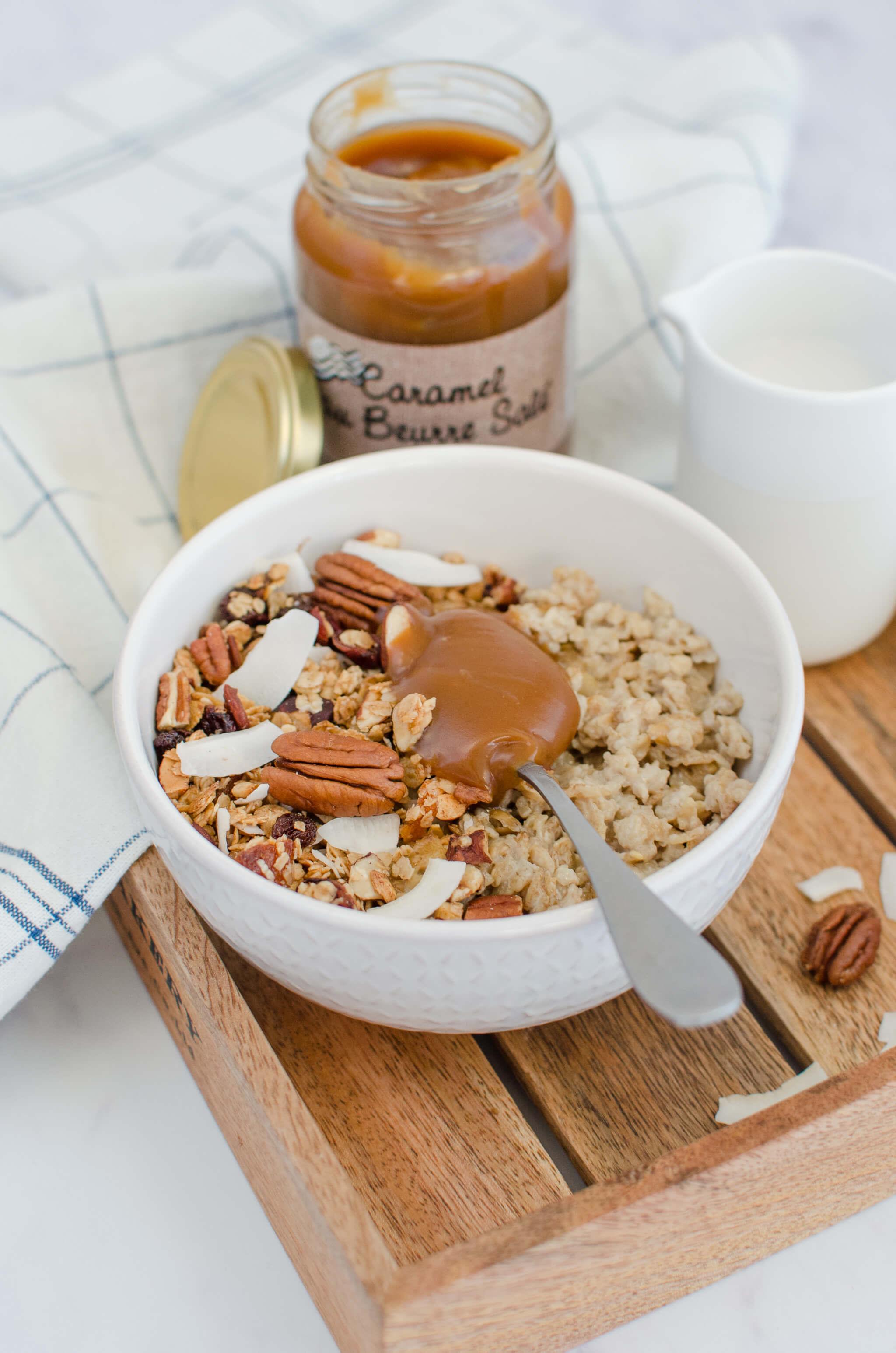 Porridge et granola au caramel au beurre salé